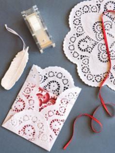 Como hacer sobres con blondas o mantelitos de papel