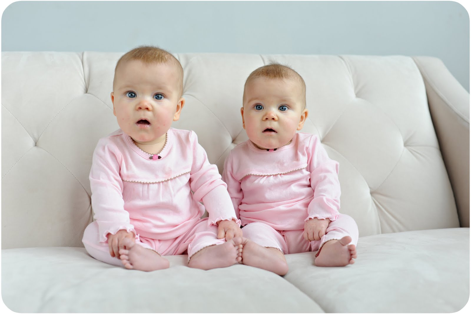 identical twin newborn babies - photo #3