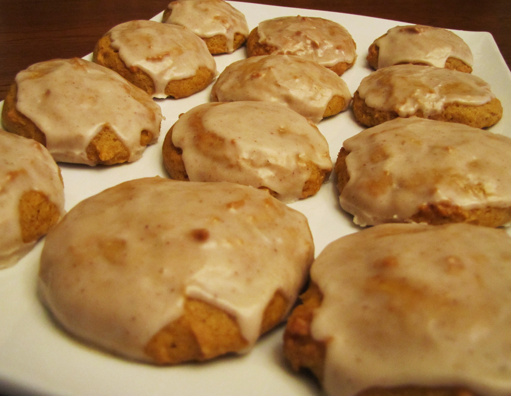 Rumbly in my Tumbly: Iced Pumpkin Tea Cookies