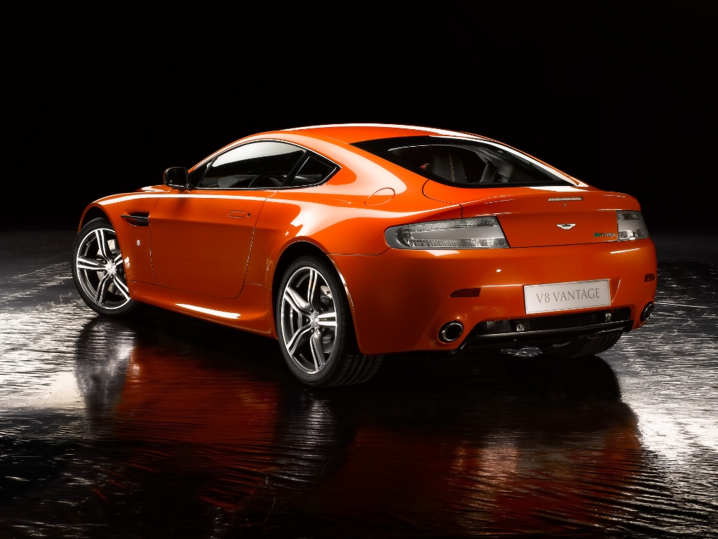 Aston Martin Vantage  Really Hot wallpaper