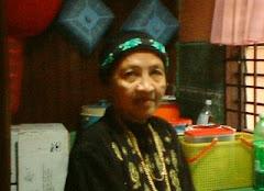 Ibu, Kaulah Ratu Hatiku...