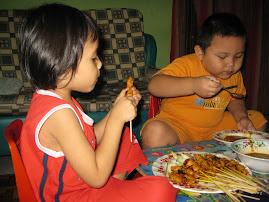 Anak mama kuat makan...