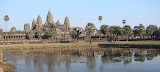 Veja como Angkor Wat é imenso, esta é a vista principal do templo principal que fica dentro de Angkor