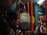 leitor de cartão infravermelho dentro dos ônibus. Aqui não precisa de trocador.