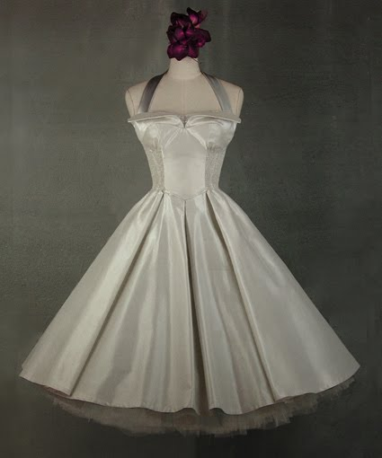 Pin Up Wedding Gown. dresses and pinup