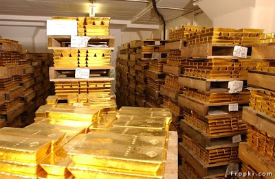 Another Vault of Gold,This gold vault hold  gold entrust for the owners of the streetTRACKS Gold Shares EFT (AMEX:GLD), the  world's most popular gold fund.