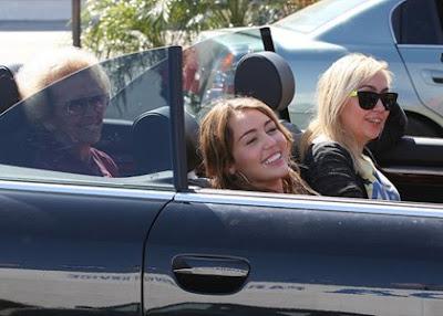 Miley Cyrus: Burgers with Brandi