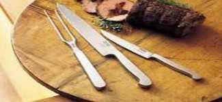 Instrumentos necessários para preparar churrasco.