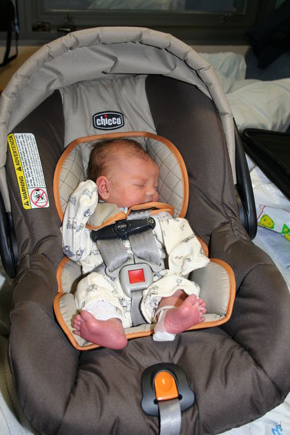Choosing Best and Safest Car Seats & Cribs for Infant:Toddler Car Seats