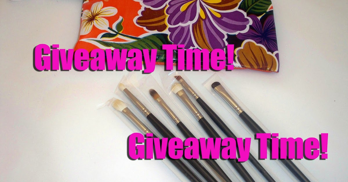 Confidential Brushes Review/Giveaway