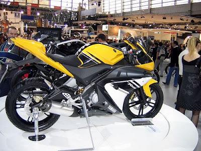 http://2.bp.blogspot.com/_et1byNF3Y70/Seul_Juw8II/AAAAAAAAAxI/_nutM8sPf-4/s400/Yamaha+R125+Sportbike.jpg