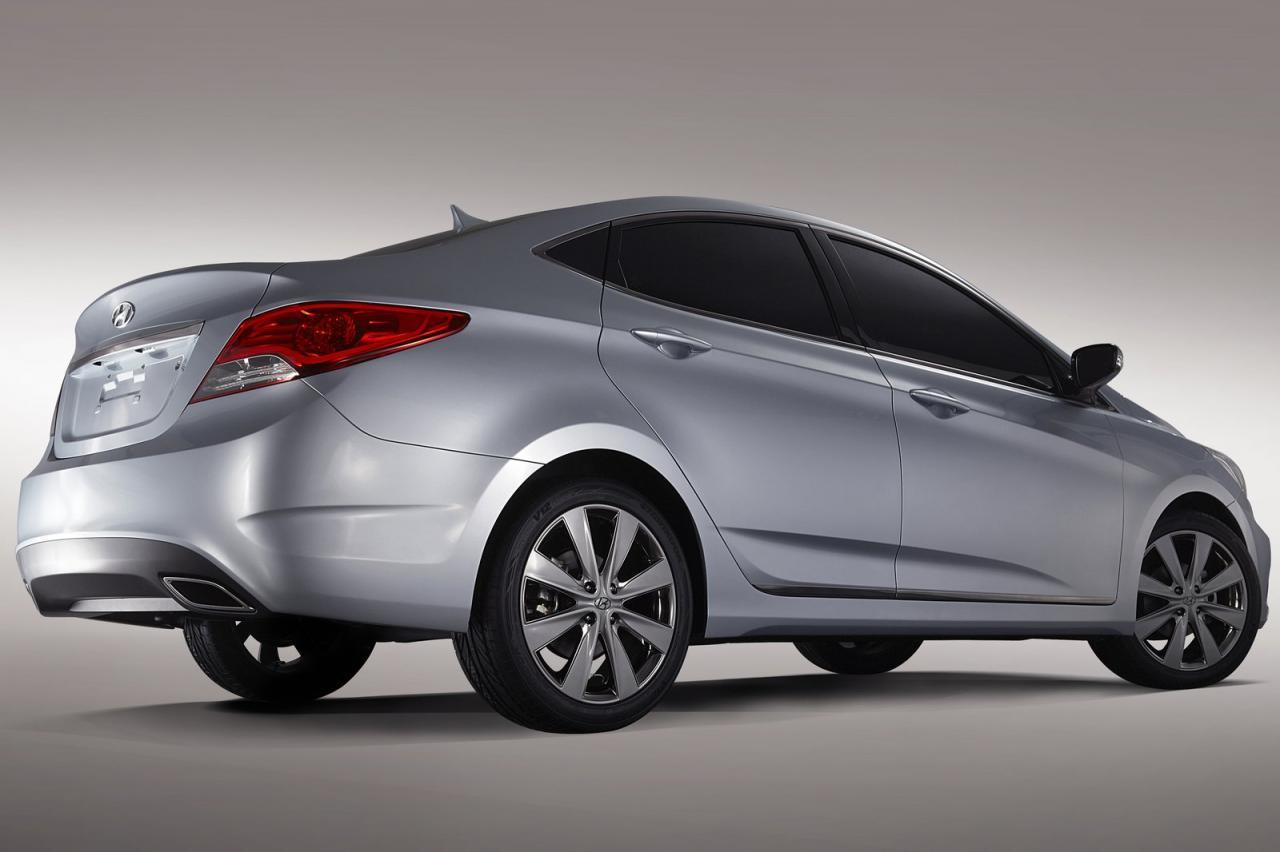 http://2.bp.blogspot.com/_etZw8UcvDJ8/THVrOOYG95I/AAAAAAAAAU4/coi04XZh88U/s1600/Hyundai-Accent-rear-rb.jpg