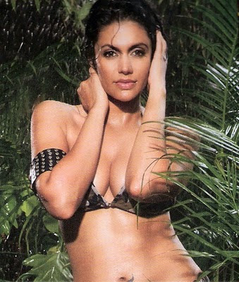 Mandira Bedi Bikini Wallpapers and Photos. Bollywood actress and Indian TV
