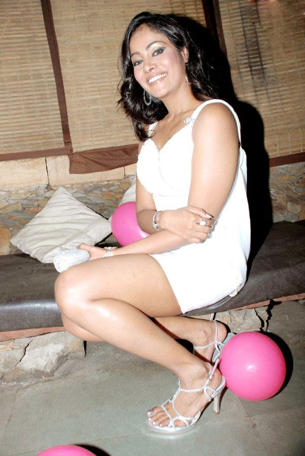 Indian actress Vinitha Menon Hot Birthday Wallpapers.
