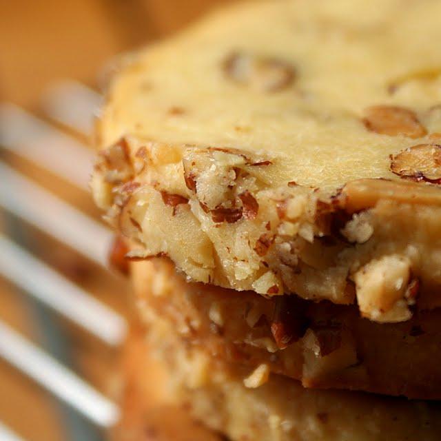 pepsakoy: Cream Cheese Pecan Cookies