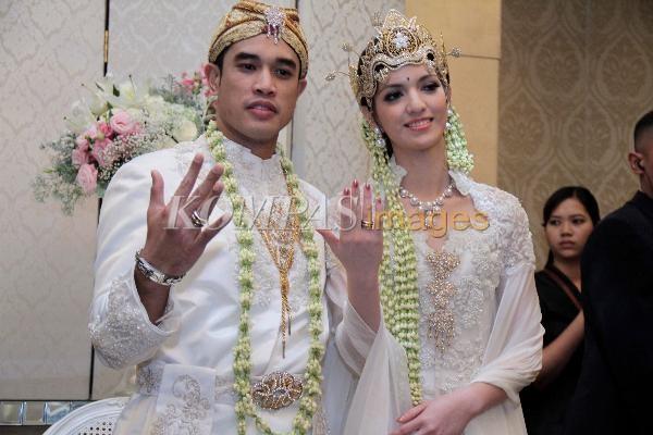 Nia Ramadhani - Foto Pernikahan Nia Ramadhani