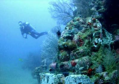 Candi di Bawah Laut