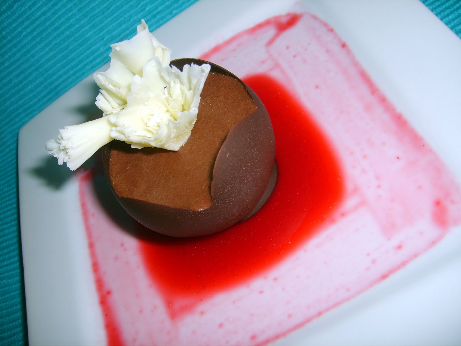 Caketopia: Mini Quick Chocolate Mousse Cups with Raspberry Coulis