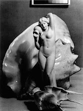 Statue und Muscheln, ca. 1936