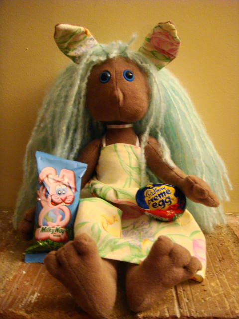 [2008+March+Easter+Poppet+Candy.jpg]