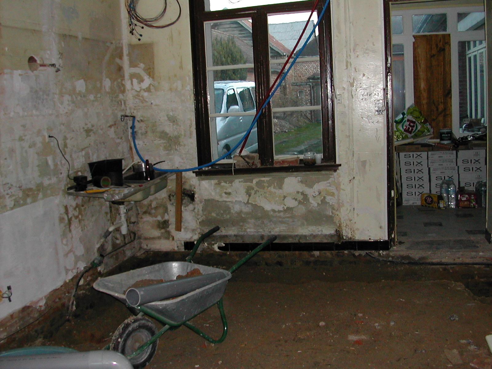 R novation d 39 une cuisine sol isolation cloisonnement for Installation electrique cuisine