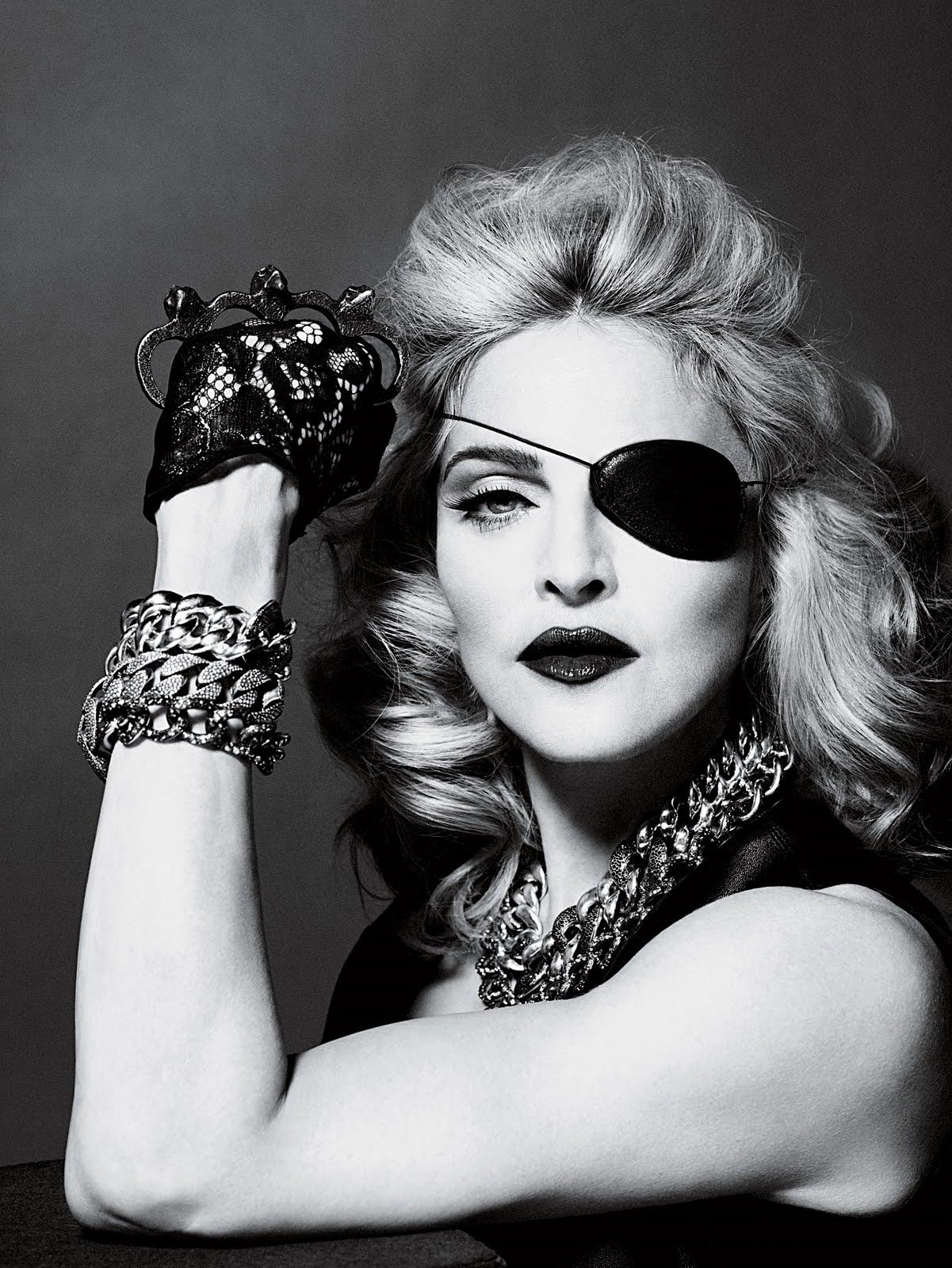 http://2.bp.blogspot.com/_ez6mXXRN_sc/S992_TEDrCI/AAAAAAAABUQ/MvwYqNMVq5k/s1600/2010+-+Madonna+by+Alas+%26+Piggott+for+Interview+-+14.jpg
