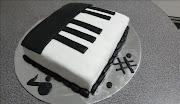 Nadia's Piano cake