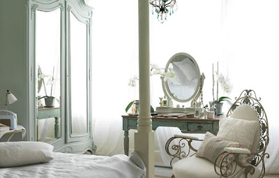 London House With a French Style Bedroom Design