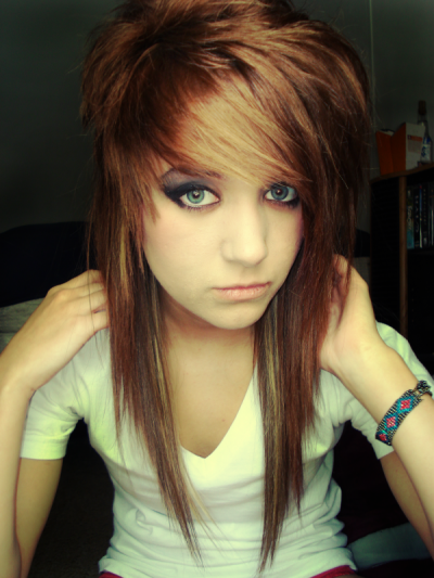 emo girls hairstyles. Cute girl emo haircuts are