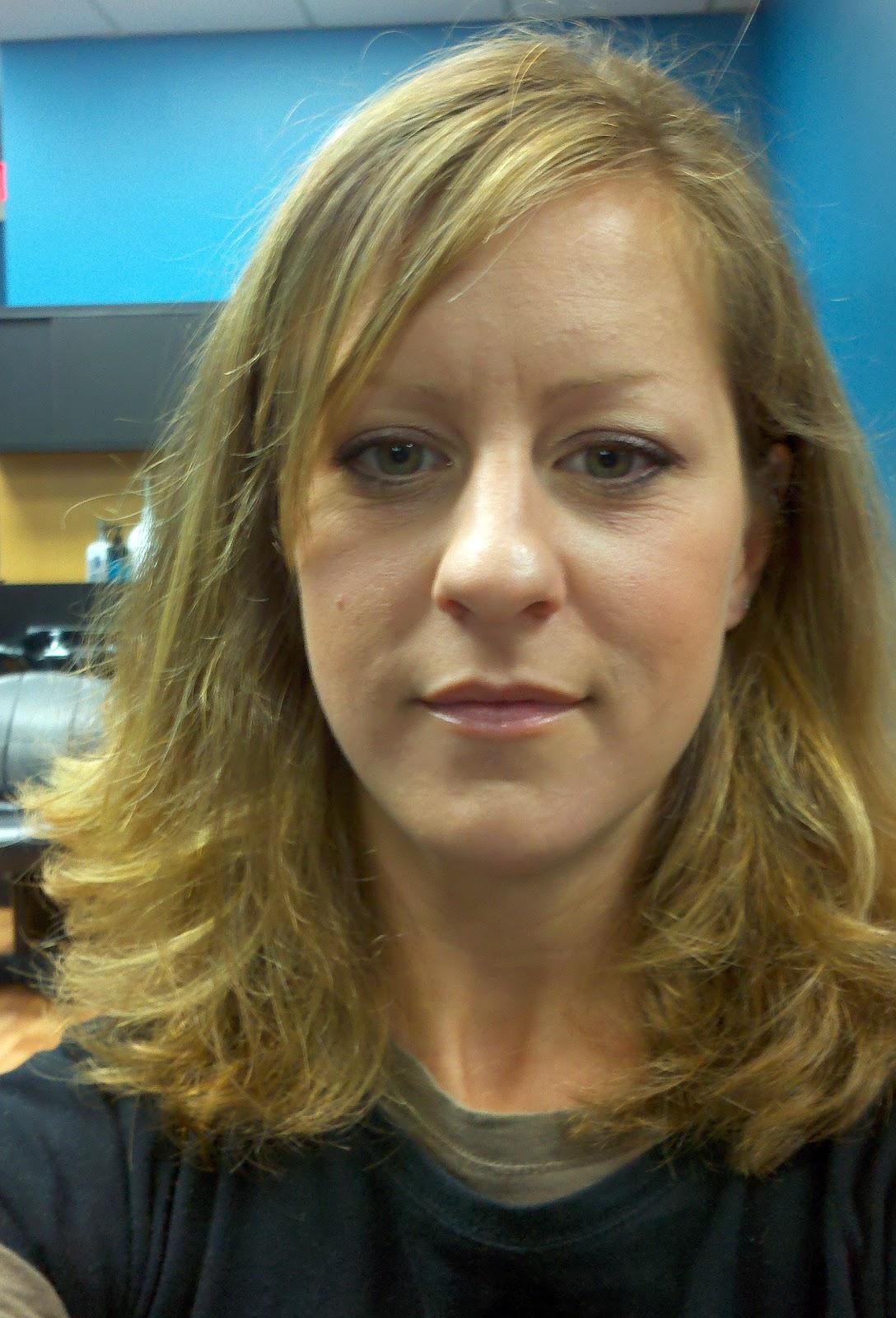 http://2.bp.blogspot.com/_f0EakWF5ICw/TMwTMuSiZ-I/AAAAAAAAC6Q/YUmntndOIMY/s1600/hair+before+i.jpg