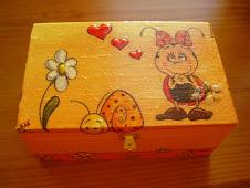 Caixa de madeira simples
