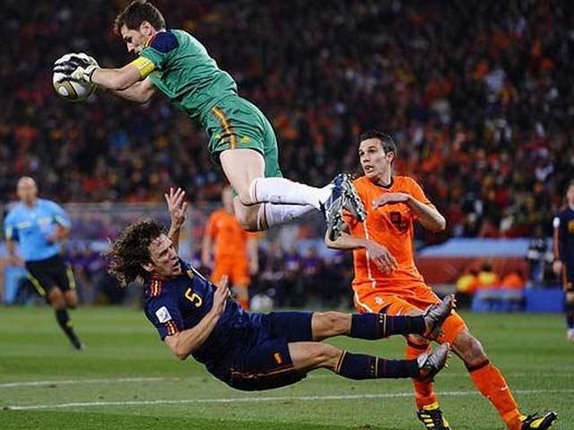 Iker Casillas Wallpapers Barcelona Winner Soccer 640x480px Football