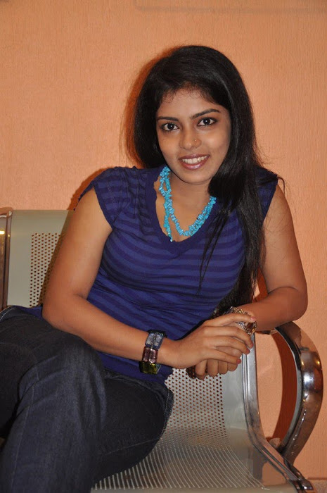 mallu janavi shoot actress pics