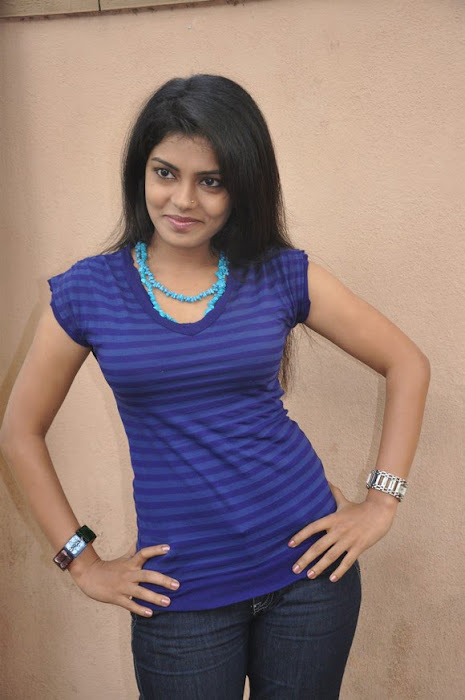 mallu janavi shoot glamour  images
