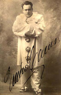 Enrico Caruso caracterizado como Canio, el payaso cornudo