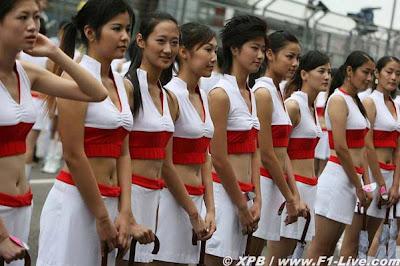 La mitad de las pit-babes de China... son tíos