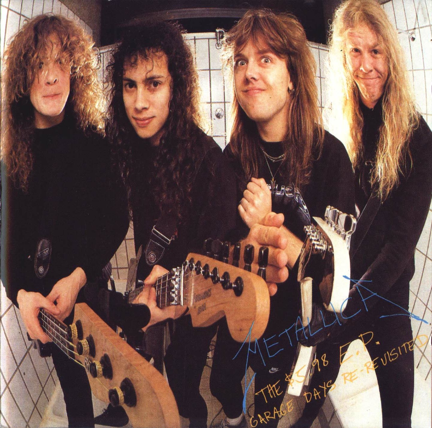 http://2.bp.blogspot.com/_f2iAGRf_Ioo/TMGoYjyA6LI/AAAAAAAACHM/2-3KPzQw0wo/s1600/Metallica+-+1987+-+The+%249.98+Cd+Garage+Days+Re-Revisited+-+Front.jpg