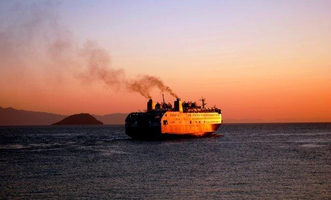 076- Ve Gemi Gidiyor...
