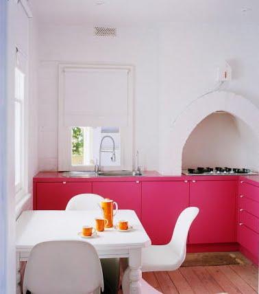 Colores para decorar como combinar el color rosa en cocinas for Great un bano con paredes en naranja de