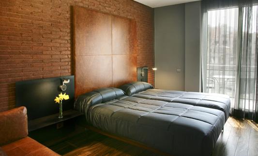 Con que colores combina una pared gris en dormitorios - Colores que combinan ...
