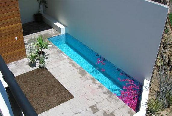 Colores para decorar estanques y reas de agua para for Pisos para patios pequenos