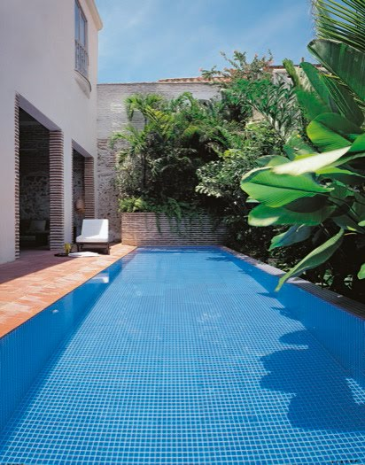 Piscinas pequenas para patios ideas de disenos for Diseno piscinas pequenas