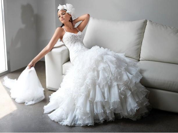 abito bianco è quello più tradizionale ... poi ci sono anche ...