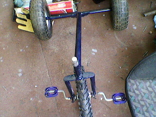 Un triciclo para niña. Foto-0026