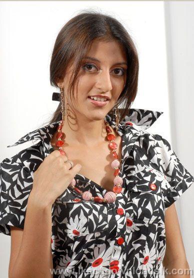 [Tharushi+Dilshani+Munasinghe3.jpg]