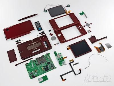Nintendo DSi XL teardown reveals obviously larger parts
