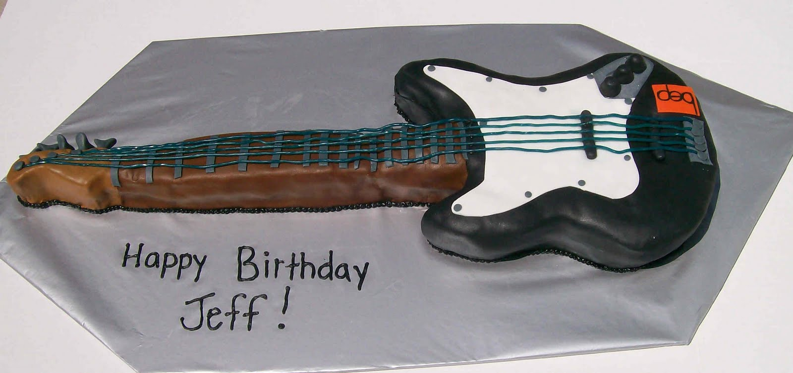 That Takes The Cake Creations Guitar Cake