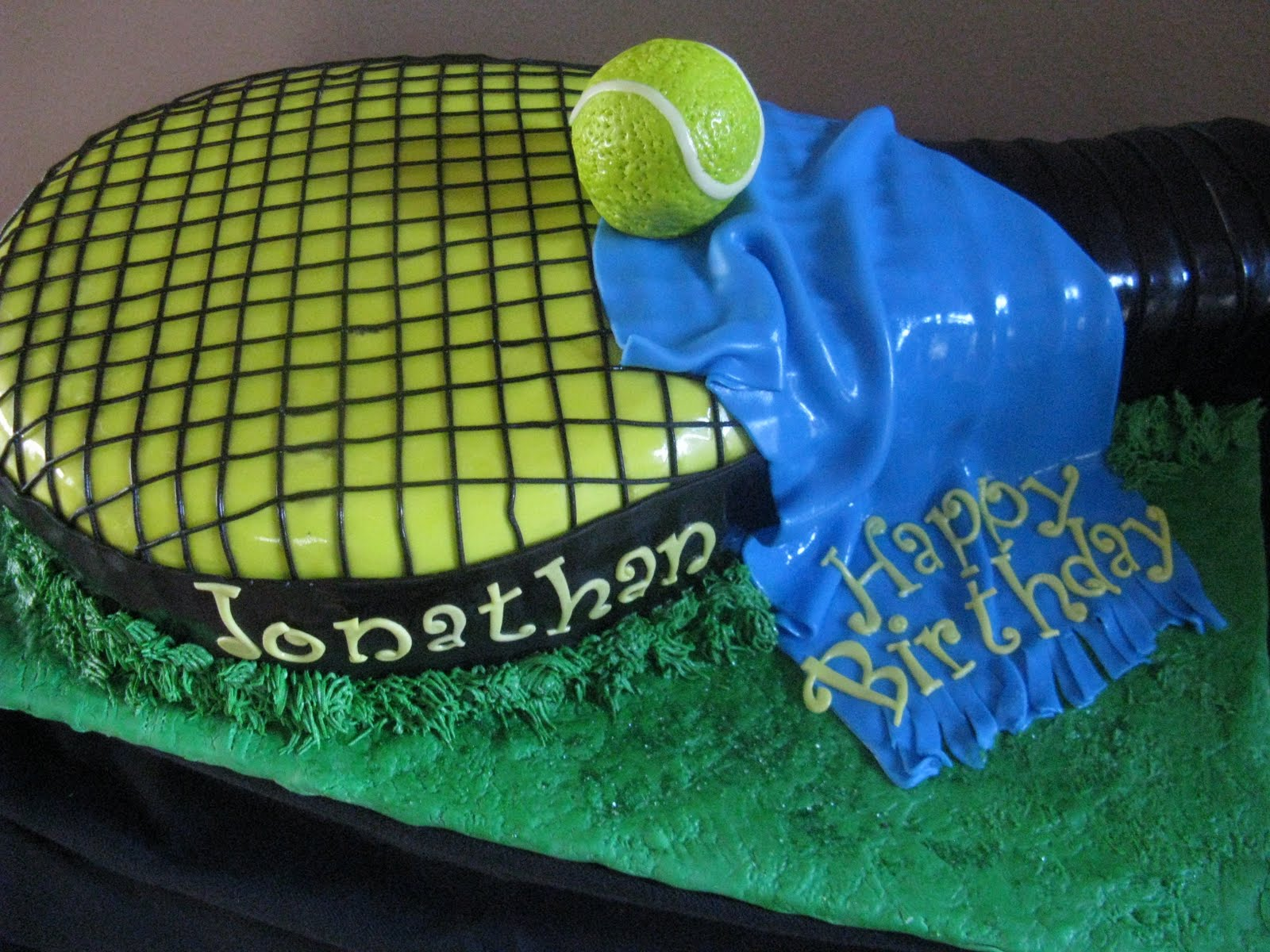 Sweet Moments By V Tennis Racket Cake