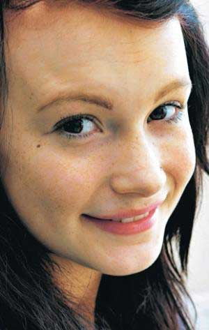 her teenage daughter to have semi-permanent tattoos on her face.