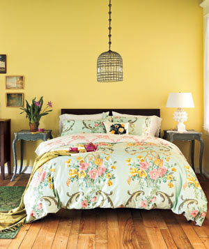 An experiment in vintage design cozy country bedroom for Experimenting in the bedroom ideas